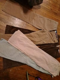 4 pairs of women's pant/cords Cleveland, 44144