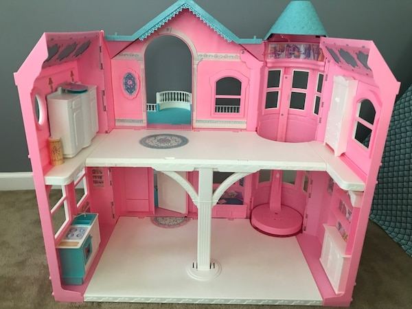 Used Barbie Dream House Victorian Doll House For Sale In Buford Letgo