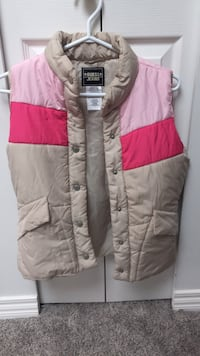 Guess vest size women's small slightly used Burnaby, V5H 3G1