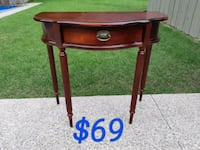 Bombay Console Table *Delivery Available* Hamilton, L9H 5N7