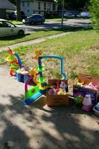 Toys, girls/mens/women clothes, and some funiture Kansas City, 64138