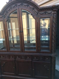 Hutch /China cabinet  Ontario, 91761