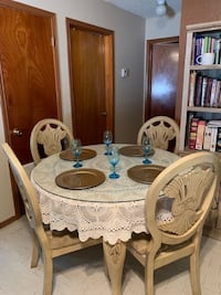 Table W/ Chairs Dining Set