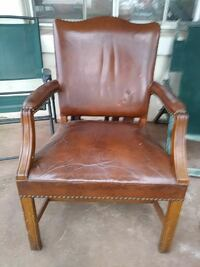 brown wooden framed brown leather padded armchair Birmingham, 35205