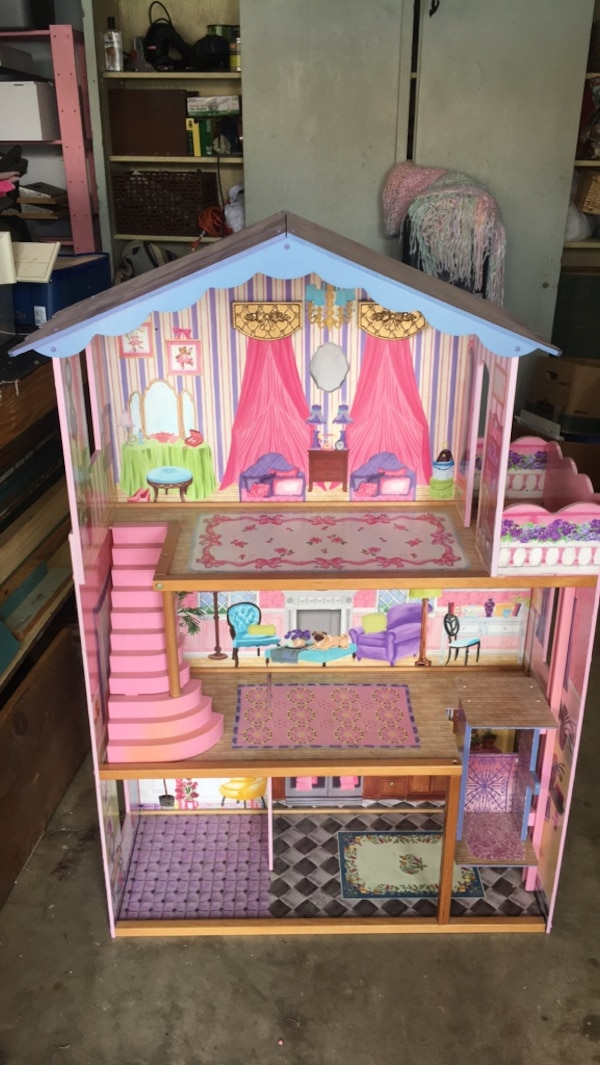 Used Barbie Mansion By Kidkraft For Sale In Placentia Letgo