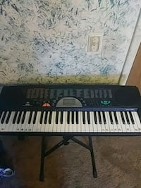 black and white electronic keyboard Cincinnati, 45239