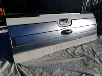 Ford super duty tailgate with step rail and camera Maple Ridge, V2X 3J2