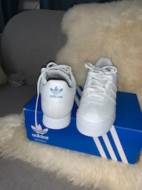Brand new Adidas samoa all white ,size  8.5 Toronto, M6C 2M1