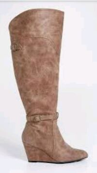 Size 11 over the knee boots Burlington, L7R 1Y3
