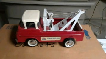 AMERICAN OIL CO toy tow truck NY-LINT vintage
