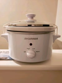 Sylvania 1.5 quart Crock pot