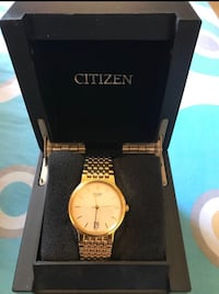 round gold-colored analog watch with link bracelet Welland, L3C 1W3