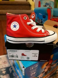 Little boy red converse sneakers New Oxford, 17350