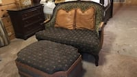 custom. designed by Details! loveseat and ottoman and 2 pillows! Shelbyville, 40065