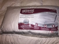 One king size beautyrest platinum pillow St Catharines, L2R