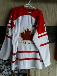 white and red Canada v-neck long-sleeved shirt Richmond Hill