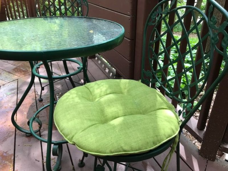 Set of two Small round outdoor chair cushions  5a1ab63c-3a64-48d4-8760-9b53a1db5c0c