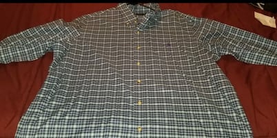 Brand New Men's Ralph Lauren Long Sleeve Button Down Shirt.