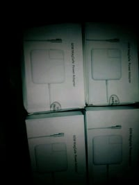 Magneticial chargers for macbooks new! Grand Prairie, 75051