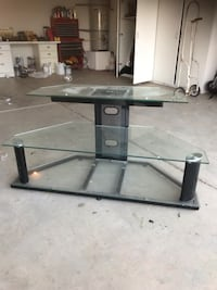 Glass tv stand  Bakersfield, 93312