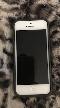 white iPhone 5 with black case North Port, 34287