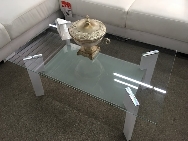 Coffee table, glass top 1