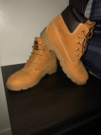 Boys Timberlands Size 3 Los Angeles, 91343
