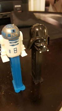 r2d2 and darth vader pez candy dispenser Ontario, L7G 1A8