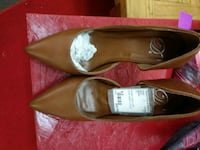 pair of brown leather pointed-toe flats Hampton, 23605