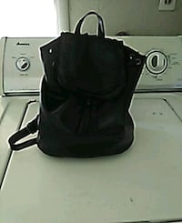 Woman's back pack Fresno, 93726