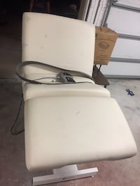 Electric adjustable massage table/bed/chair North Fort Myers, 33917