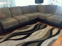 L-shaped couch  Dover, 33527