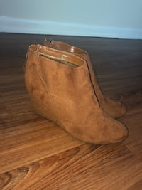 Booties Size 9.5  Annapolis, 21403