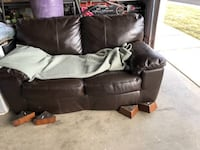 Leather couch Bend, 97702