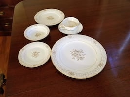 White china plates and bowls