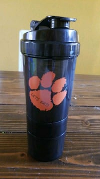 "Blender bottle. Tigers paw ""let's eat"" San Jacinto, 92583"