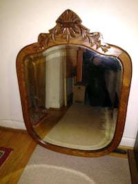 wooden mirror. beautiful antique ! Middletown, 21769