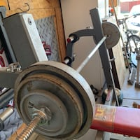 Weight bench and 110 lb of weight (includes bar) Bakersfield, 93312