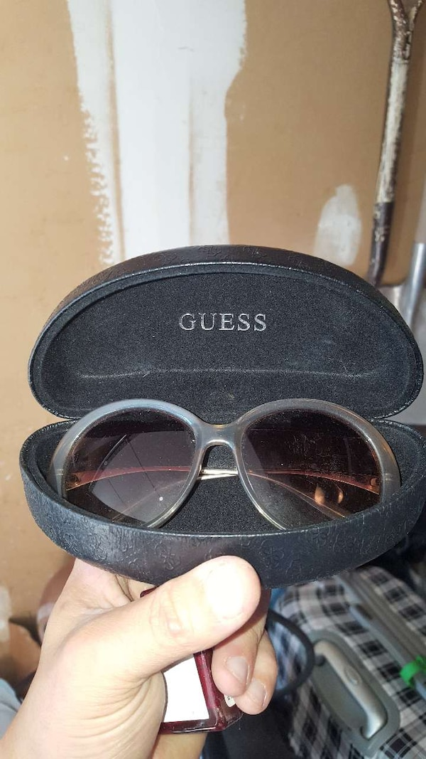 e9aa943a3c2 Used GUESS WOMEN S SUNGLASSES for sale in Mississauga - letgo