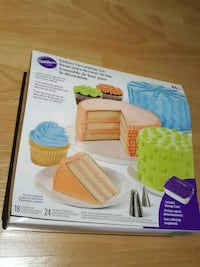 Wilton Deluxe Decorating set Vaughan, L4H 3A2