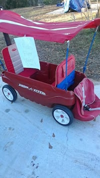 red Radio Flyer pull wagon Coquille, 97423