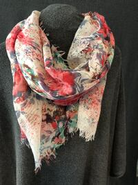 Floral Pattern Scarf (Red/Blue) Waterford