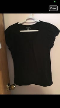 Black crew-neck T-shirt with cute sleeve. Calgary, T3G 4M6