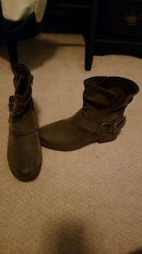 pair of brown leather boots Crofton, 21114