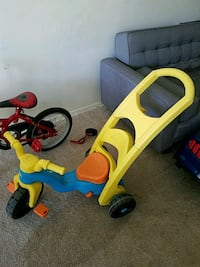 toddler's yellow and blue push trike Annandale, 22003