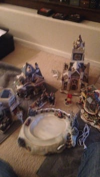 8pc Victorian village without power adapter