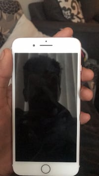 white iPhone 5 with black case Oxon Hill, 20745