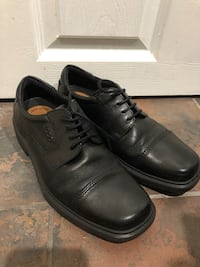Pair of black leather dress shoes Woodbridge, 22191