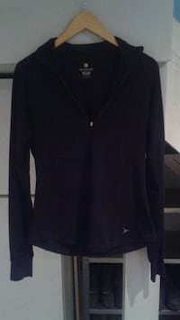 Old Navy active pull over top size medium