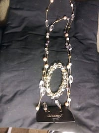 Necklace earrings and braclet